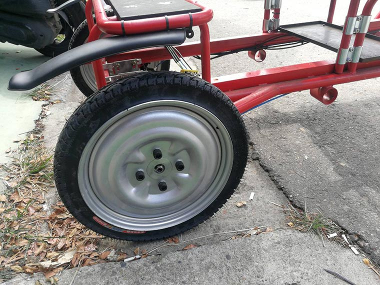 Electric mini truck- add solid tire for rear wheels